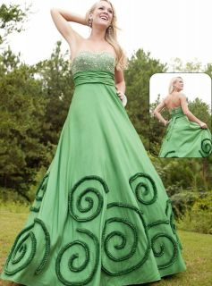 NWT Size 4 Emerald green ball gown prom dress, Riva 797 DREAMZ formal