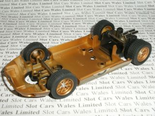 Scalextric   Rolling Chassis   Gold Weathered Ford GT40   NEW