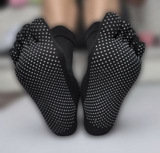 New Yoga Sports KARATE NON SLIP GYM Massage Five Fingers Toe Socks Hot