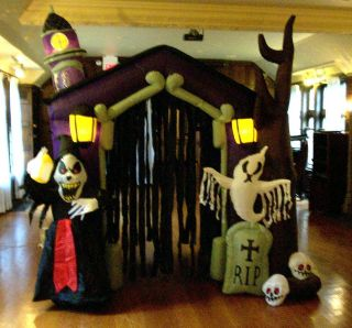 6ft. AIRBLOWN INFLATABLE HAUNTED HOUSE HALLOWEEN YARD DECOR PROP