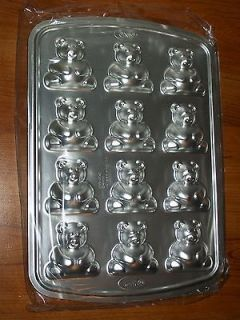 Wilton 3 D mini Teddy Bear Cake on a Stick Pan