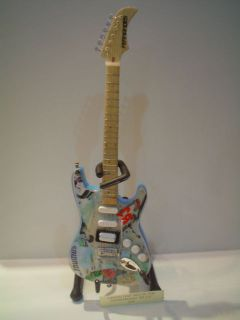 Miniature Guitar (24cm Tall)  GREEN DAY BILLIE JOE ARMSTRONG BLUE