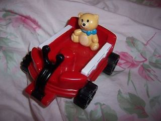 FISHER PRICE LITTLE PEOPLE RED WAGON W/ TEDDY BEAR 2001 NICE