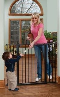 Extra Tall & Wide Auto Close Gateway   Black Metal Baby Gate W/ Hold