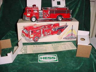 TRUCKS 1970 HESS RED FIRE TRUCK BOX 4 INSERTS BATTERY CARD TOYS 70