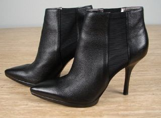159 Calvin Klein Weslynn Leather Ankle Boot Sz 7M Black 32