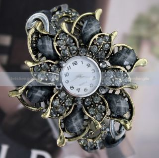 Fashion Elegant Women Lady Crystal Petal Bronze Incision Quartz