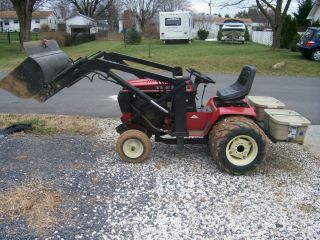 WHEEL HORSE 520 H TRACTOR W/ QUICK WAY QT LOADER/ DUAL REARS