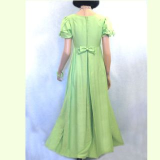 VIBRANT SUMMER GREEN COLLECTIBLE EMMA DOMB PROM GOWN OR HEM TO MINI