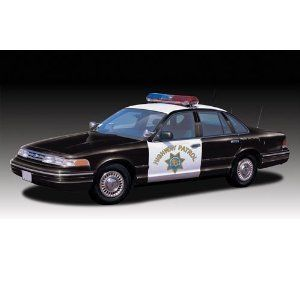 Lindberg 1 25 scale Ford Crown Victoria California State Police