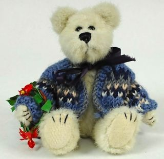Boyds Bears 7 Christmas Bear Hans in Blue Sweater w Tags