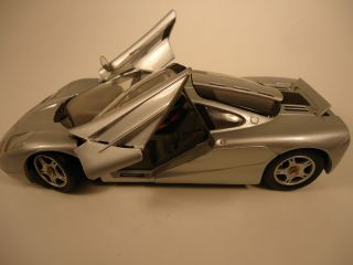 RARE 1993 McLaren F1 Silver Diecast Car 1 18 Scale Made by Maisto WOW