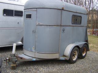 1988 circle W 2 horse tagilong horse trailer in very nice shape WOW