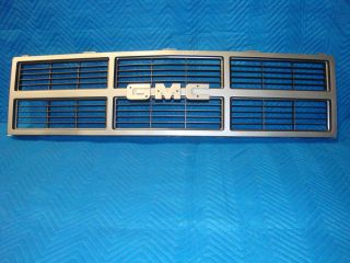 NOS GRILLE 1983 1984 GMC FULL SIZE PICKUP JIMMY SUBURBAN OEM