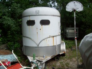 1997 WW 2 Horse Trailer Hardly Used