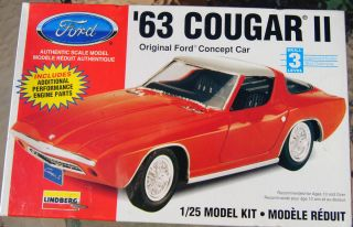 Lindberg 1 25 Scale 1963 Cougar II Ford Concept Car Model Kit 72162