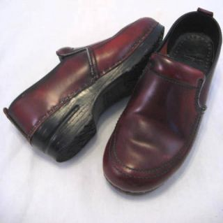 Dansko Professional Clogs Wine Burgundy Maroon Leather Size 37 6 5 7