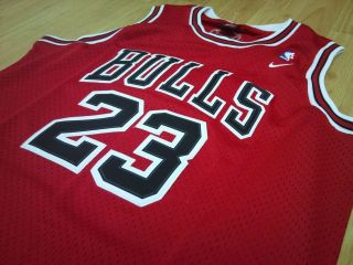 Michael Jordan Chicago Bulls NBA jersey size Large Red swingman
