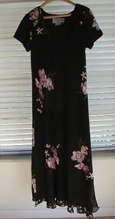 Jessica Howard Petite Full Length Dress Orchid Design on a Black
