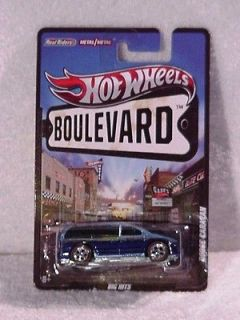 HOT WHEELS   BOULEVARD SERIES CARS   DODGE CARAVAN   BIG HITS   W4604