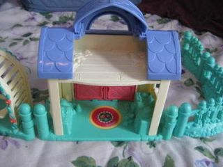 vintage doll house in Toys & Hobbies