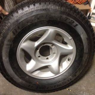 Sequoia Tacoma 4 Runner 16 Factory Wheel Rim And Tire 01 11 69395