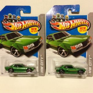2013 HOT WHEELS 70 Toyota Celica NEW One Missing Tampo Error RARE