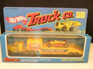 Hot Wheels Steering Rigs Boxed Truck Co Race Car Hauler