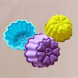 Fish Shape Cake Pans or Budding Moulds, Silicone Material, Random Color